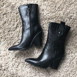 Black snake cowboy boot